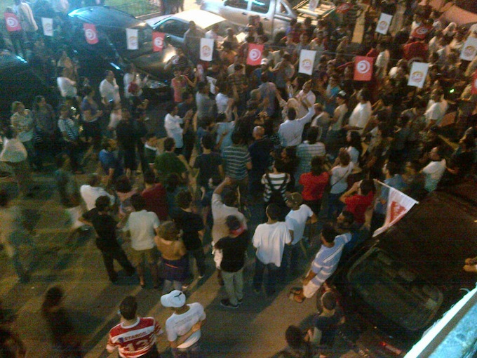 10:30pm – UGTT Labor Union HQ – Tunis : Gathering in front of Tunisian General Labor Union (UGTT) headquarter.